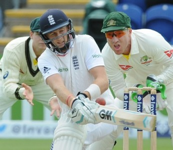 http://www.theguardian.com/sport/live/2015/jul/09/ashes-2015-england-australia-first-test-day-two-live-cricket
